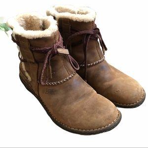 UGG Australia 5136 Cove Boots